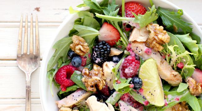 2011-06-15-grilled-chicken-salad-586x322