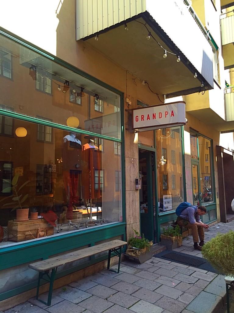 Grandpa: loja multimarcas mas com muitas marcas suecas que vende roupas, acessórios e aertigos para casa. Super legal! Vale dar uma passada para quem estiver por SoFo!