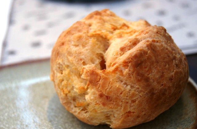 Pão de queijo crocante (Fonte: Amanda Mormito)