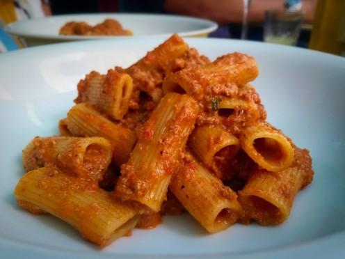 Rigatoni alla bolognesa (R$44,90) - espetacular!!! Melhor molho, massa al dente! Pediria de novo com certeza!