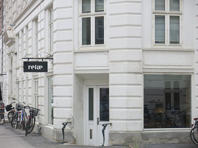 A fachada do restaurante na Jægersborggade, uma rua super charmosa em Nørrebro (Fonte: Be Gusto)
