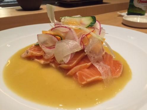 Tataki de salmão com karashi su-missô