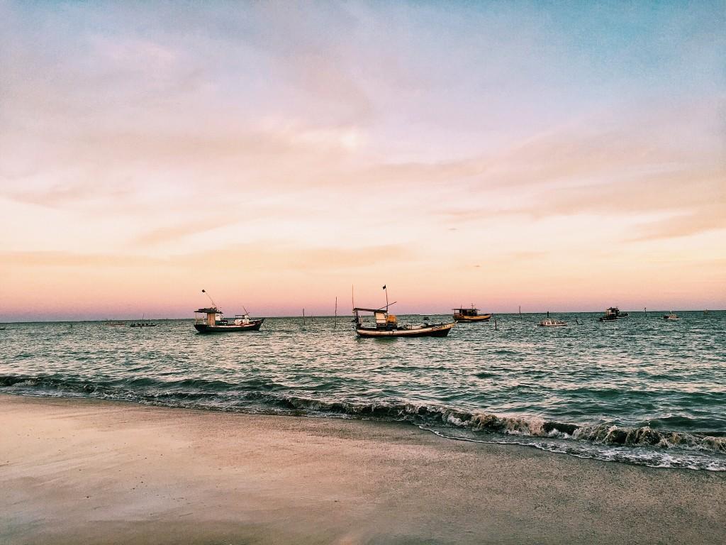 Fim de tarde na Praia do Toque, perto do Porto da Rua