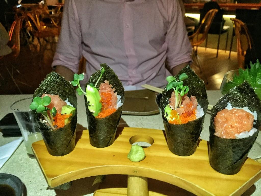 Temaki de salmão e abacate