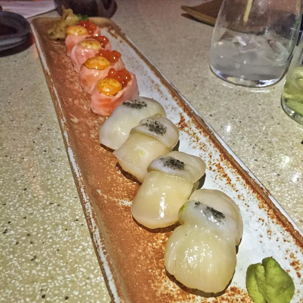 Sushi de vieira trufada com flor de sal