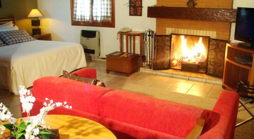 Nosso quarto (Quarto Fogo) - Foto: Hotéis em Monte Verde